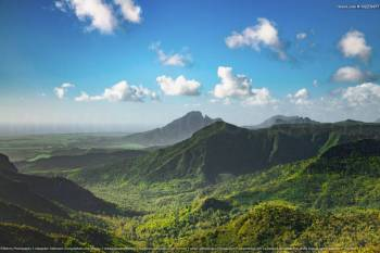 The Gorgeous South of Mauritius: Full Day Tour Including Tea Route & Crocodile Park