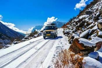Bagdogra, Darjeeling, Gangtok, Yumthang, Kalimpong Tour