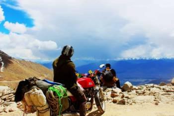 Ladakh Tour - Land of High Passes - Explore Ladakh & Warila