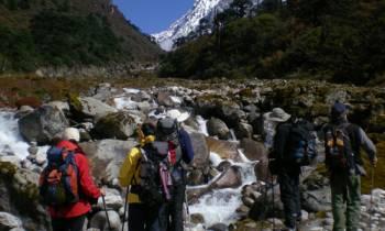 Hampta Pass Trekking Tours