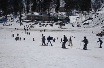 Skiing in Manali Tour