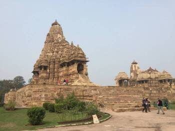 Jhansi- Orchha – Khajuraho Tour