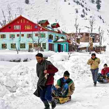 Jammu-katra-vaishnodevi-shivkhori-patnitop Tour-crazy-jk-03