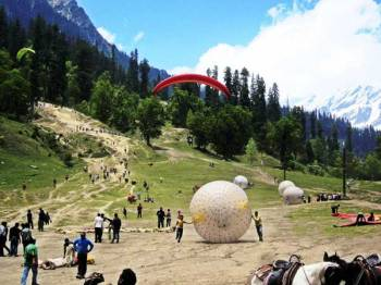3 Nights 4 Days Delhi to Manali Package