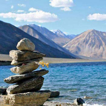 Travel to Ladakh via Srinagar Tour
