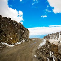 Amazing Ladakh from Delhi Tour