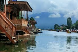 Manali with Leh and Srinagar Tour