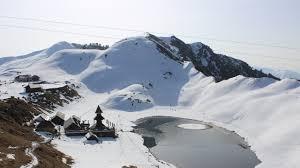 Parashar Lake Trek Tour