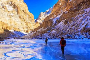 Delhi-Leh-Lamayuru-Pangong Tour (7 Days 6 Nights)
