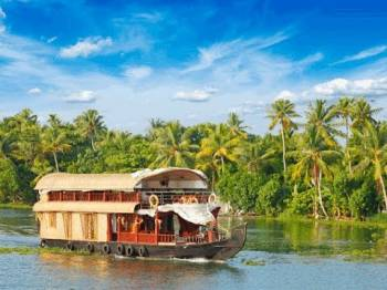 Kerala Houseboat Tour 4 N 5 D