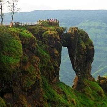 Monsoon Dhamaka Mahabaleshwar Tour