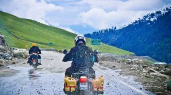 Ladakh Season Tour Package
