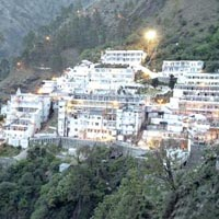 Vaishno Devi with Srinagar Tour