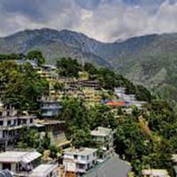 Peaceful weekend - Mcleodganj & Dharamshala Tour