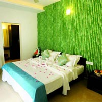 Thekkady Honeymoon Bed Decoration