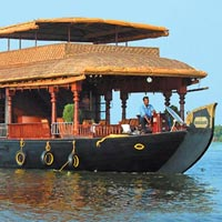 Traditional Houseboat Package