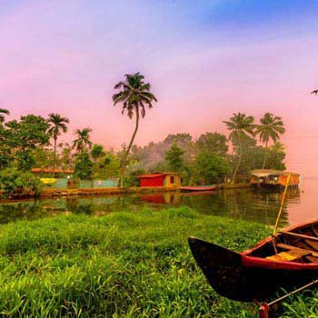 Amazing Munnar-Thekkady-Alleppey Tour package