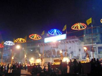 Kashi Evening Bazaar & Ganga Aarti Walk Tour
