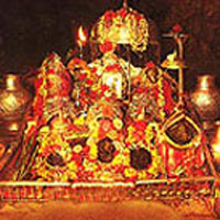 Vaishno Devi With Shikhori or Patnitop Tour