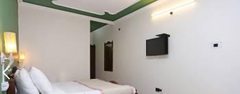Hotel in Bardrinath Tour